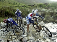 safarisimbaz-capeepic2004-river-crossing