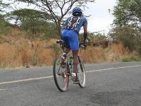 safarisimbaz-trainingride-magadi-samson-climbing